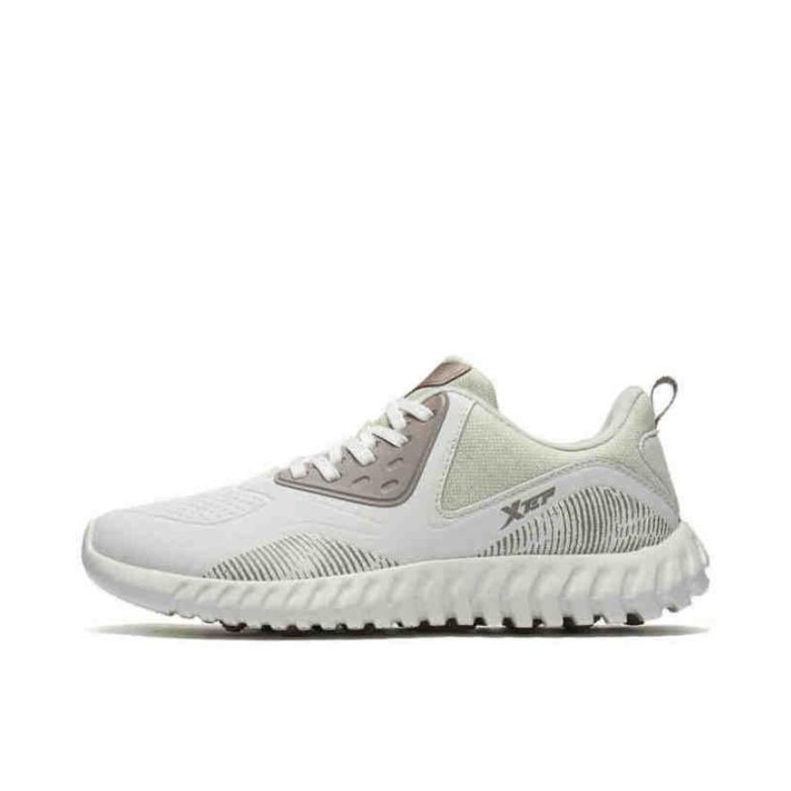 特步 舒适时尚运动鞋 982418110210