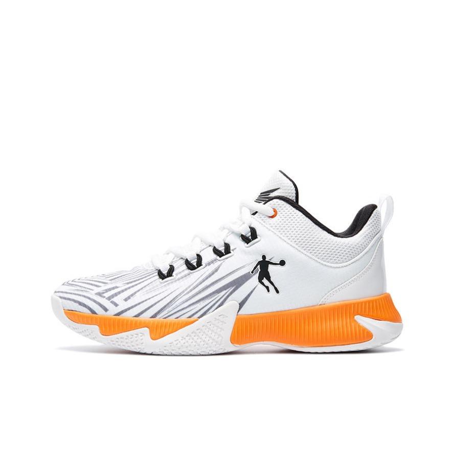 乔丹体育 耐磨舒适减震篮球鞋 XM2590105